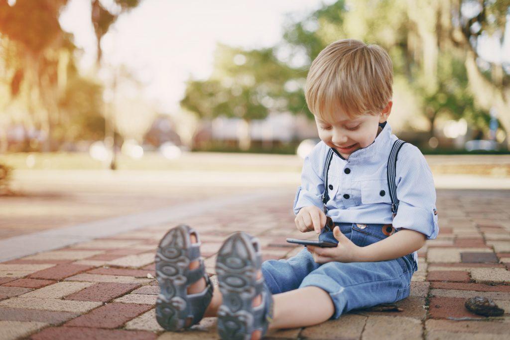 comportamento digital de crianças e adolescentes